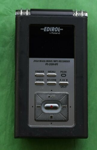 Edirol Roland R-09HR WAVE MP3 24bit Professional Recorder + Memory Cards Remote