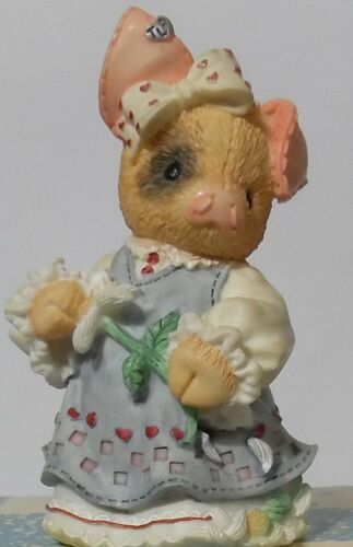 """This Little Piggy """"SOW IN LOVE"""" Figurine NEW 1995 by Enesco Pig Figurine NEW"""