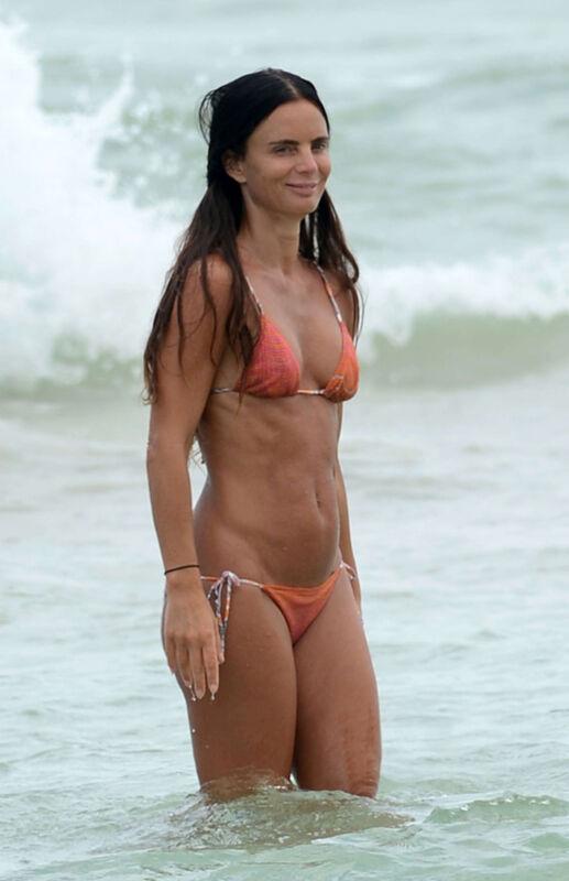 Gabrielle Anwar In The Beach 8x10 Photo Print