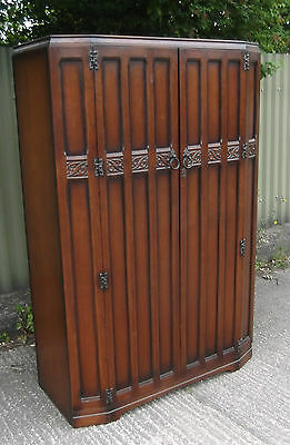 FINE ARTS & CRAFTS 2 DOOR OAK HALL WARDROBE- 2 MAN DELIVERY AVAILABLE