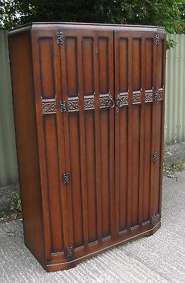 FINE ARTS & CRAFTS 2 DOOR OAK HALL WARDROBE- 2 MAN DELIVERY AVAILABLE