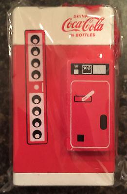 Coca Cola Vending Machine Christmas Ornament   Brand New   Retro