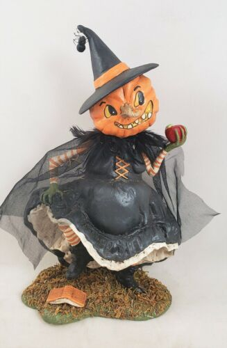 Witch Playing With Magic Pumpkin Face Figurine Bethany Lowe New Halloween