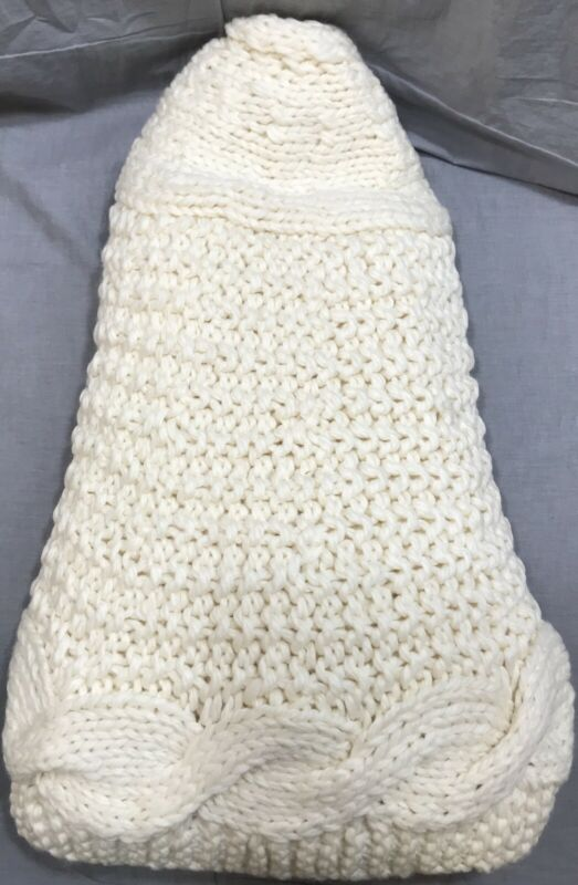 Pottery Barn Ivory Chunky Knit Large Christmas Tree Skirt