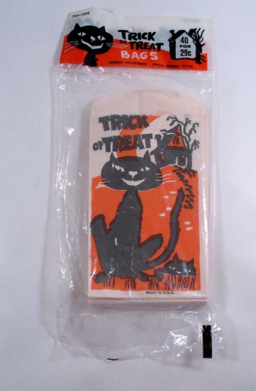 40 NOS Unique TRICK or TREAT Bags, BLACK CAT & HAUNTED HOUSE, USA made. Sealed