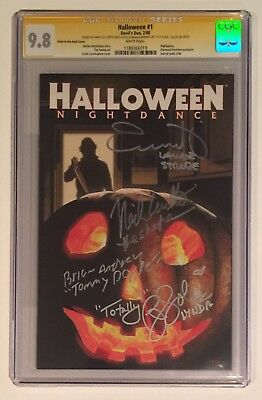 HALLOWEEN #1 MOVIE CGC SS 9.8 • SIGNED JAMIE LEE CURTIS & CASTLE SOLES SANDLIN - Halloween Movie Comic Books