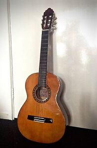 3/4 size classical guitar Melbourne City Preview