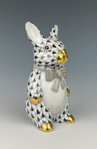 Herend Fishnet Bunny With Bow Tie Figurine Black With Gold Accents Mint