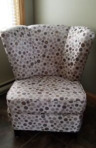 Accent Chair - Like New Condition