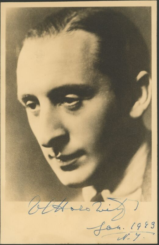 Vladimir HOROWITZ (1903–1989): Signed Photograph (PIANO) (PIANIST)