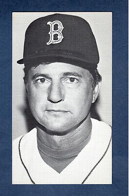 """CARL YASTRZEMSKI with hat, Red Sox team-issued B&W 3.5"""" X 6"""" card ca.1980 EX+"""