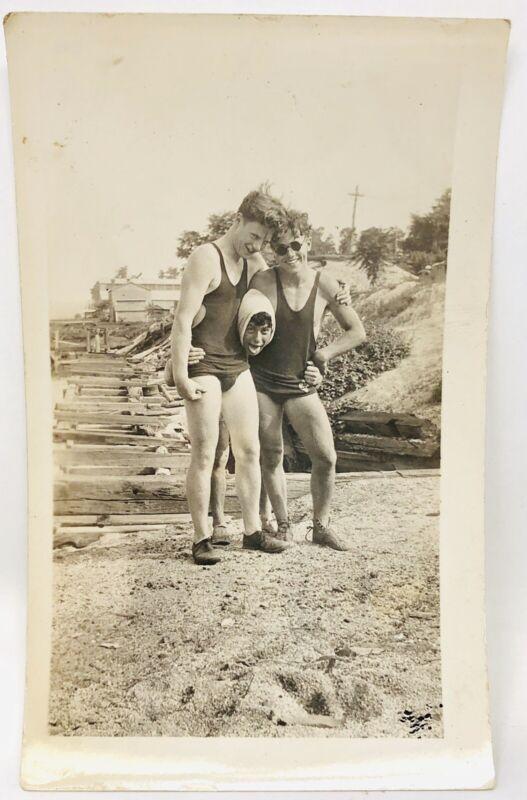 ORIGINAL 1932 Boy Scouts Photo Camp Wakimo Group Friends Lake Swimming Vtg J21