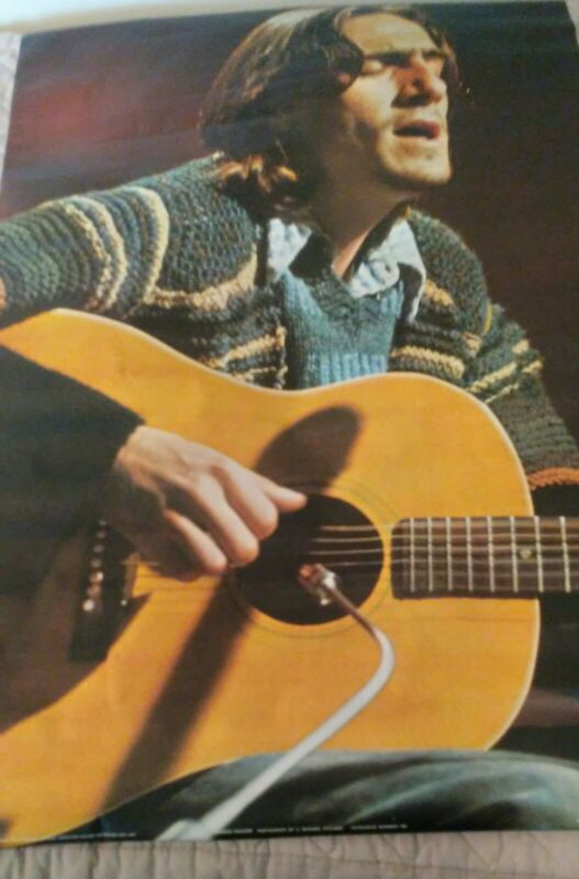 JAMES TAYLOR VINTAGE POSTER (1971) 24 x 36. Condition: GOOD.