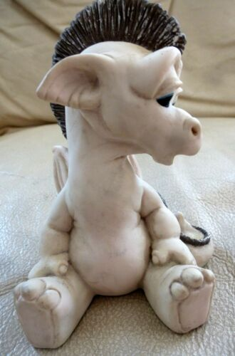 Vintage KRYSTONIA Owhey Panton England BABY DRAGON Fantasy Figurine Magic