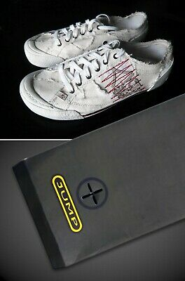 White Casual Low Tops. JUMP 75 Designer Shoes. 3D Detail. Size 8. Very RARE!