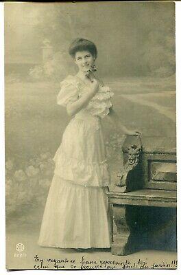 CPA - Carte Postale - Fantaisies - Portrait de Femme - Banc (M7811)