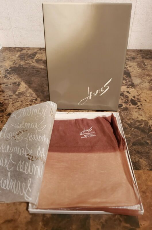 New NOS 2 Pairs Vintage Hanes 415 M SOUTH PACIFIC Reinforced Sheer 10 1/2 M