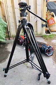 Manfrotto 028B Triman tripod with #136 Video Head and Bag