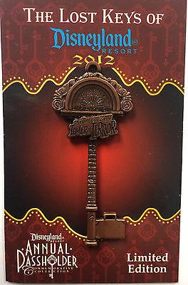 Disney DCA Tower of Terror Hotel Lost Keys Disneyland Annual Passholder LE Pin