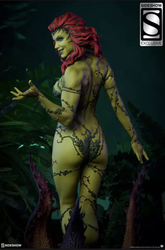 Sideshow: DC Comics Poison Ivy-PF-Exclusive, (169/800) Briefly Displayed.