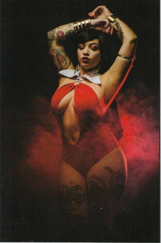 Vampirella # 6 Model Lua Stardust 1 in 30 Virgin Variant Cosplay Cover !! NM