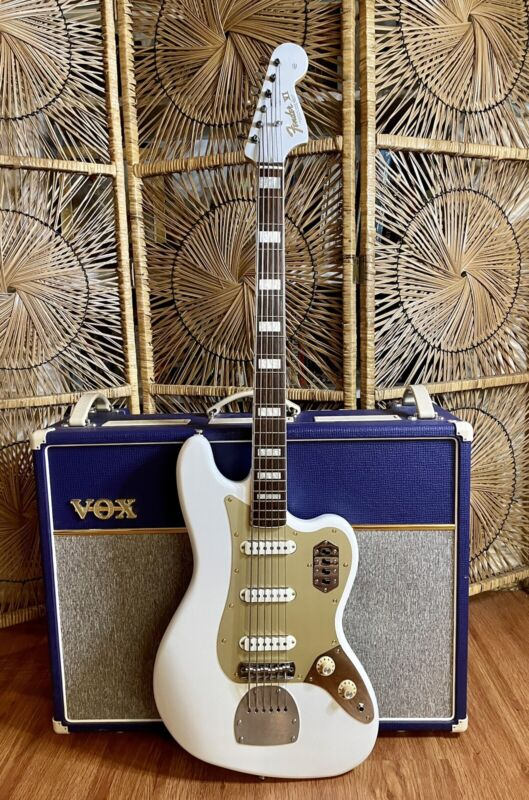 UPGRADED Squier Bass VI Staytrem Short Scale With Hard Case