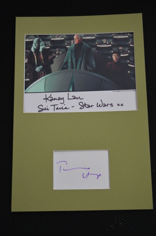 TERENCE STAMP & KAMAY LAU signed  Autogramm A4 In Person Passepartout STAR WARS