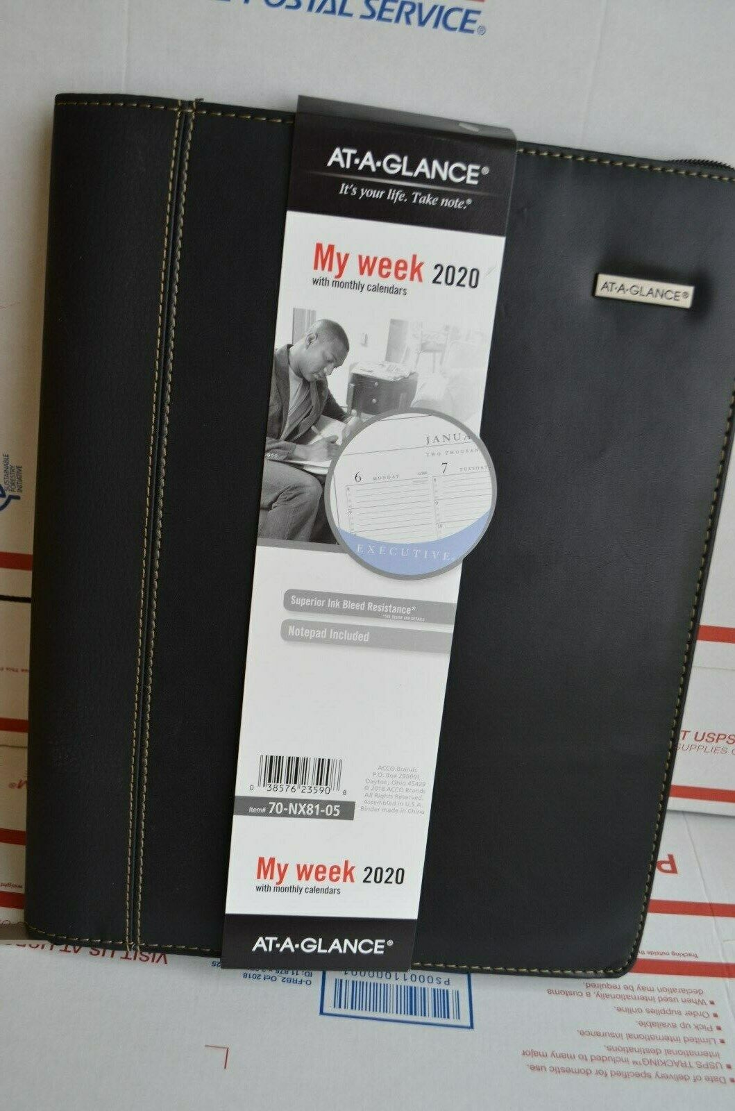 AT-A-GLANCE Zipper Padfolio Planner Executive Weekly/Monthly
