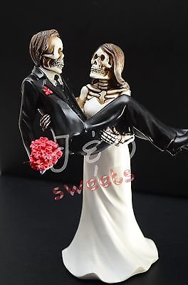 Wedding Skeleton Cake Topper-Bride Caring Groom-Halloween Party Supply-Funny - Halloween Wedding Supplies