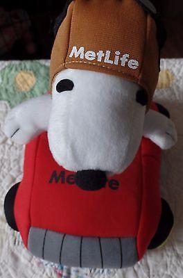 Metlife Peanuts Plush Snoopy In 8  Plush Stuffed Race Car