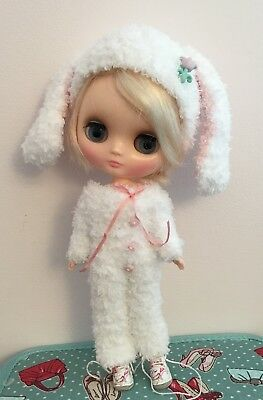 Middie Blythe Doll Outfit-White Knitted Handmade All-in-one In Soft Teddy Yarn