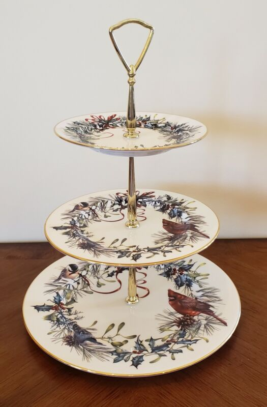 Lenox Winter Greetings Christmas 3-Tiered Tidbit Serving Tray/Cake Stand