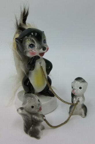 Vintage Skunk Family Figurine Set - Mom w/ Faux Fur Tail & Baby Skunks on Chains