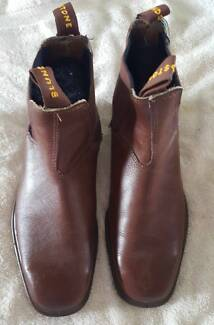 Blundstone Men's Dress Boots Size 8