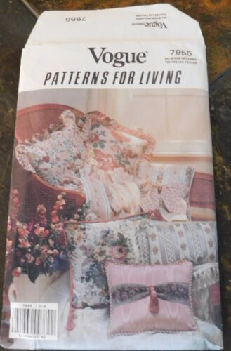 NEW UNCUT VINTAGE VOGUE 7955 Patterns for Living PILLOWS SEWING PATTERN