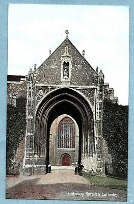 VINTAGE POSTCARD - GATEWAY NORWICH CATHEDRAL NORFOLK - Unposted