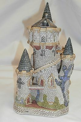 David Winter Cottages D1082 The Astrologer's Castle Limited Edition 0152 / 3500