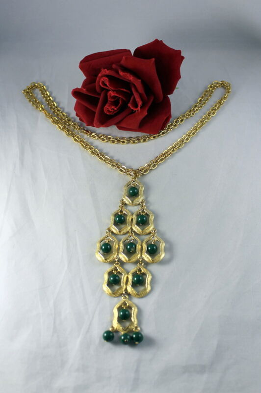 """Vintage Green Beaded Gold tone Waterfall 25"""" Necklace  CAT RESCUE"""
