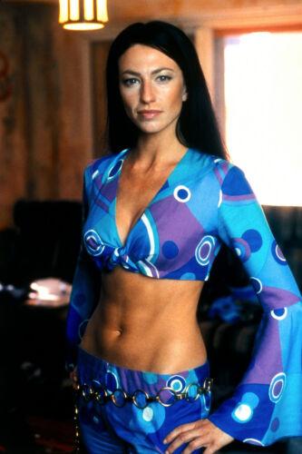 1999's FARSCAPE Claudia Black sexy blue garb 7x10 portrait