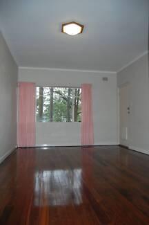 Large 1 bedroom flat for rent Pymble - mins walk to station