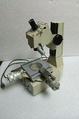 Mitutoyo Toolmakers Microscope Type Tm-101