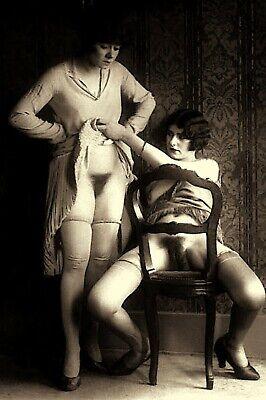 1930's Nude Art Two Semi Nude Women TAKING A PEEK Photo 4