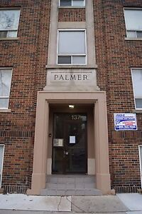 1 BEDROOM IN PALMER APARTMENTS