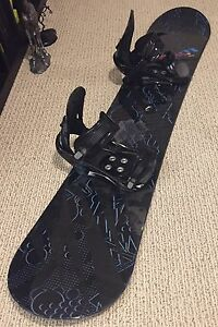 Men's snowboard, boots, bindings and bag (used, good condition)