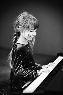 Felicity Flynn - Piano Lessons from Professional Teacher