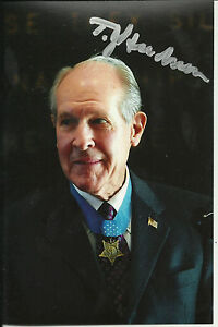 Thomas-Hudner-signed-4x6-photo-MOH-Medal-of-Honor-Korean-Vet-WWII-US-Navy