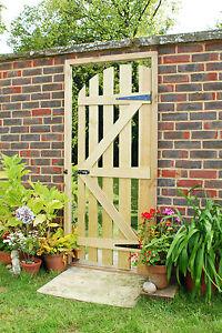 Illusion Mirror Garden Gate Wooden Door Way Acrylic Mirrored Sheet Outdoor Patio