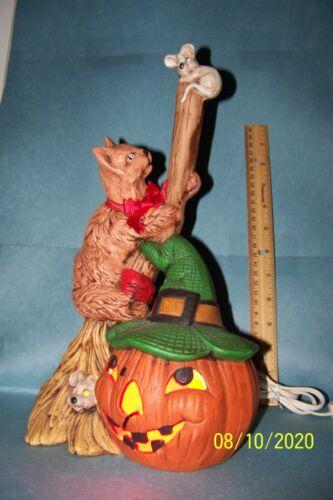 Halloween Porcelain 2002 pumpkin/Cat/mice Night light