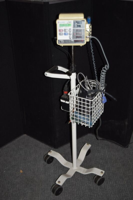 IVAC MODEL 4410 VITAL SIGNS MONITOR-  w/ Stand (#2014)