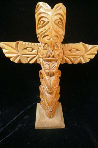 """Large vintage - Signed """"Ben White Eagle """" Native Hand Carved Totem - 19"""" Tall"""